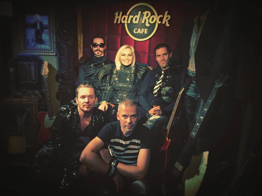 Madhen at the Hard Rock Cafe
