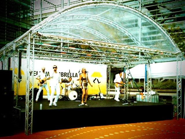 Madhen Band Yellow Umbrella Day