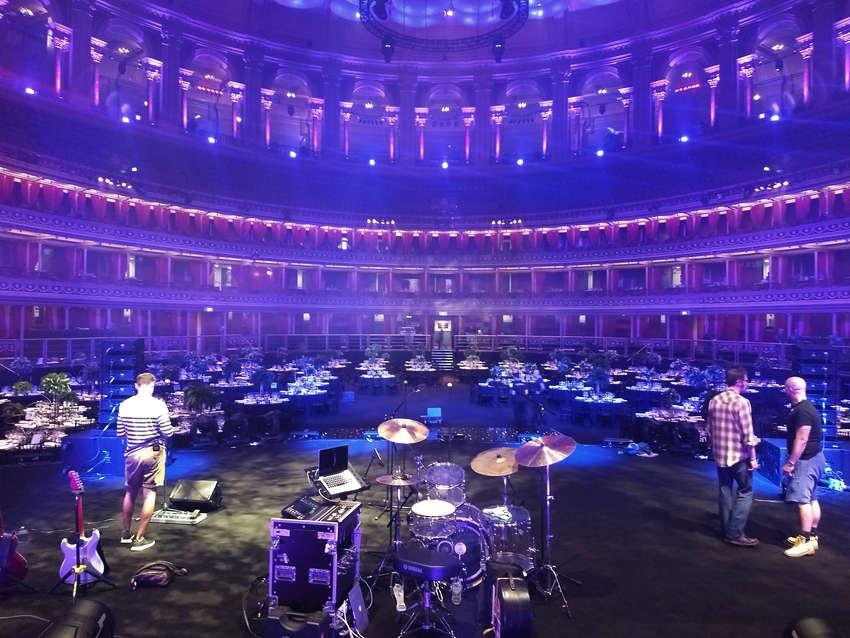 Madhen Albert Hall 2018