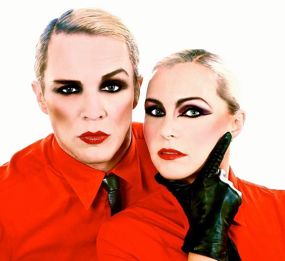 Helen & Matthew So 80s Red